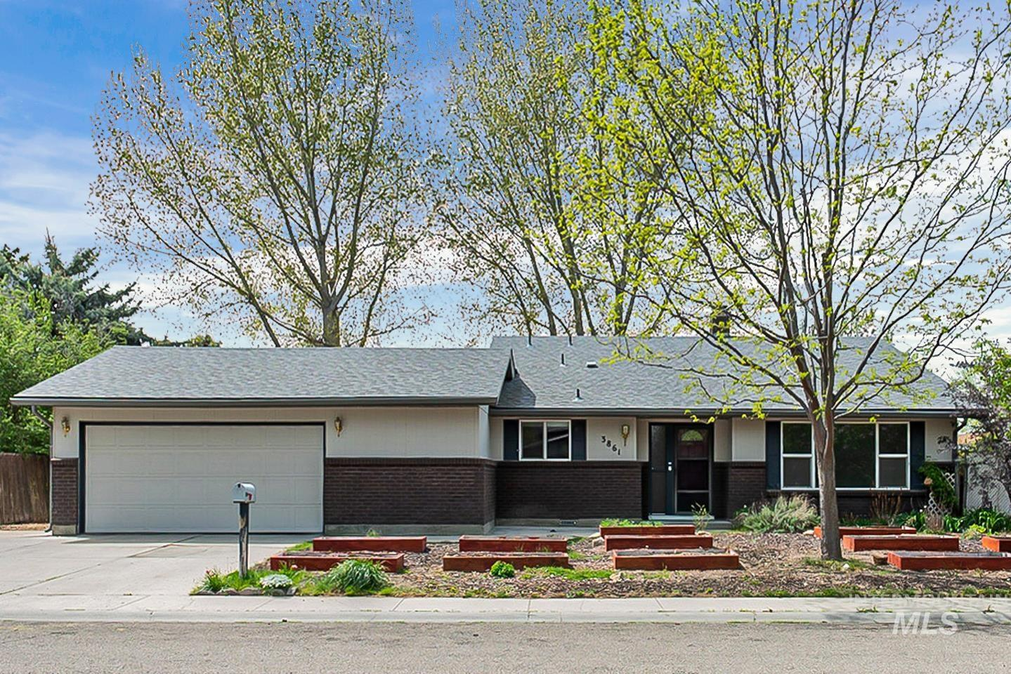 3861 N PEPPERWOOD Property Photo - Boise, ID real estate listing