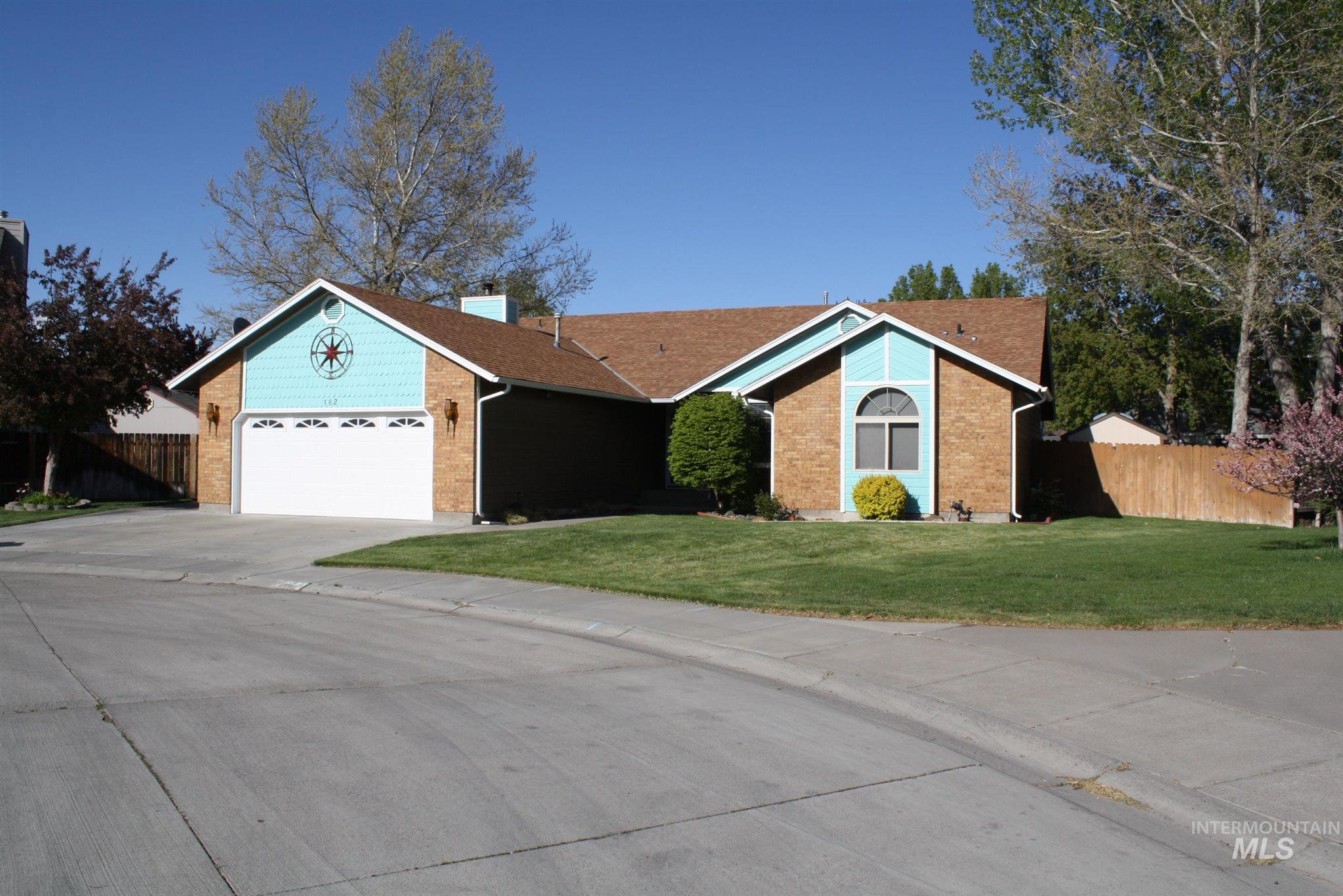 182 Kings Court Property Photo - Mountain Home, ID real estate listing