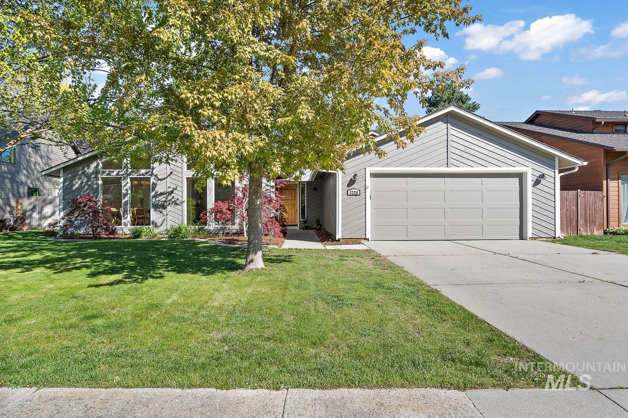 2228 S White Pine Pl Property Photo - Boise, ID real estate listing