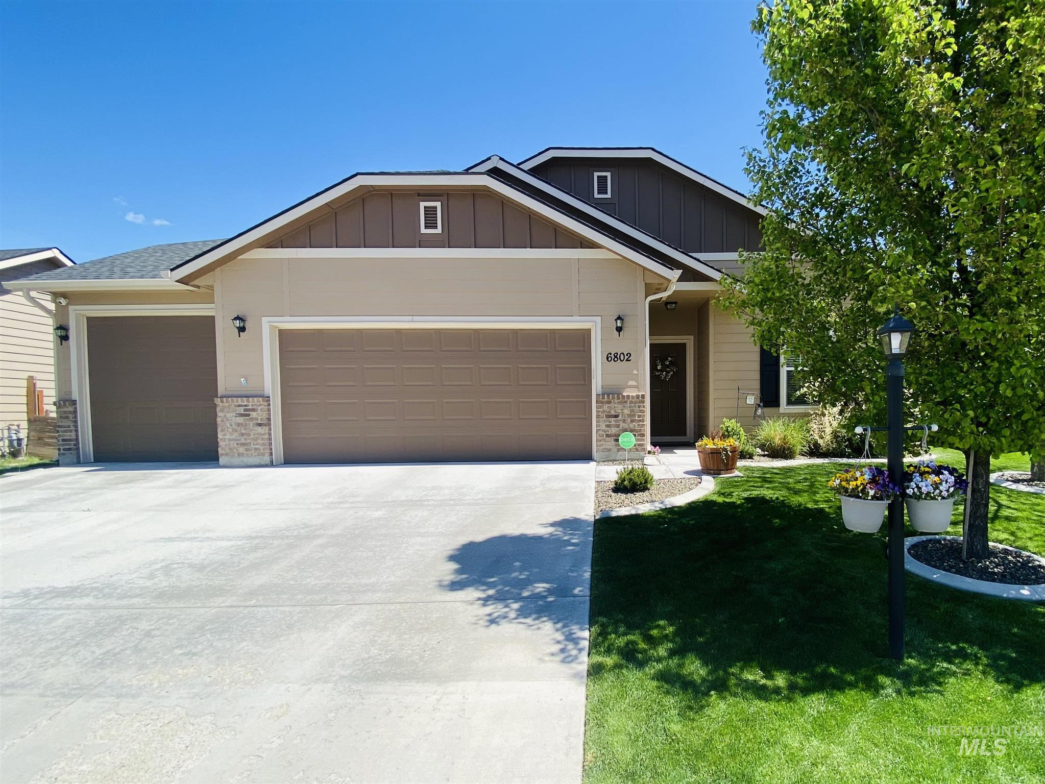 6802 S Mistyglen Ave. Property Photo - Boise, ID real estate listing