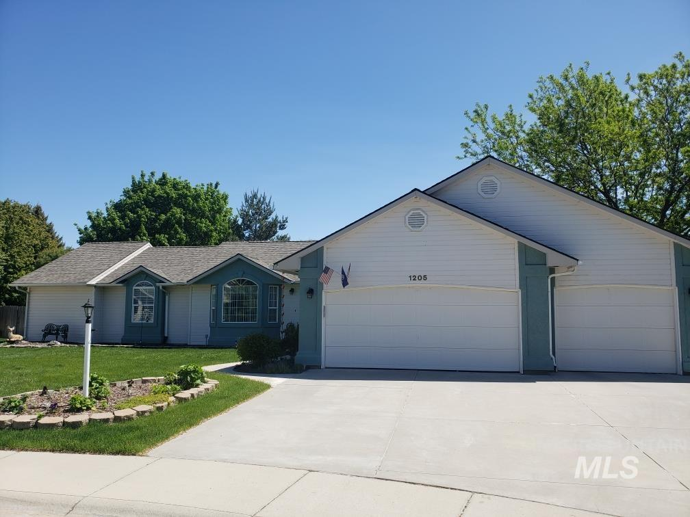 1205 Walnut Creek Ct Property Photo - Nampa, ID real estate listing