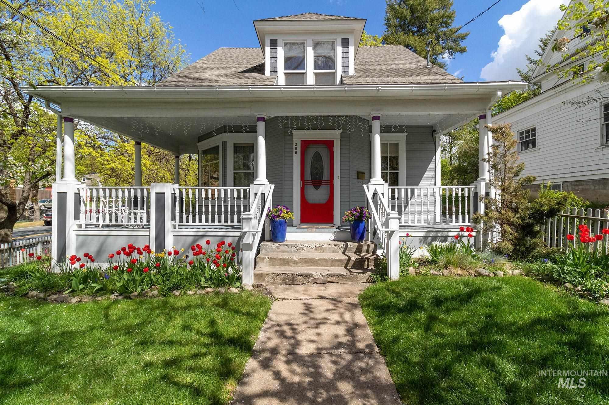 308 S Van Buren Property Photo