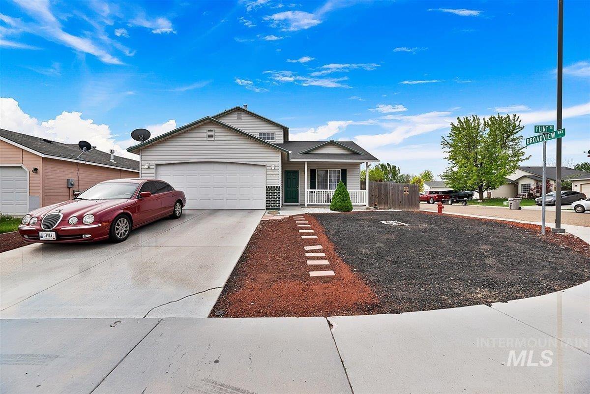 908 Flint Dr Property Photo - Caldwell, ID real estate listing