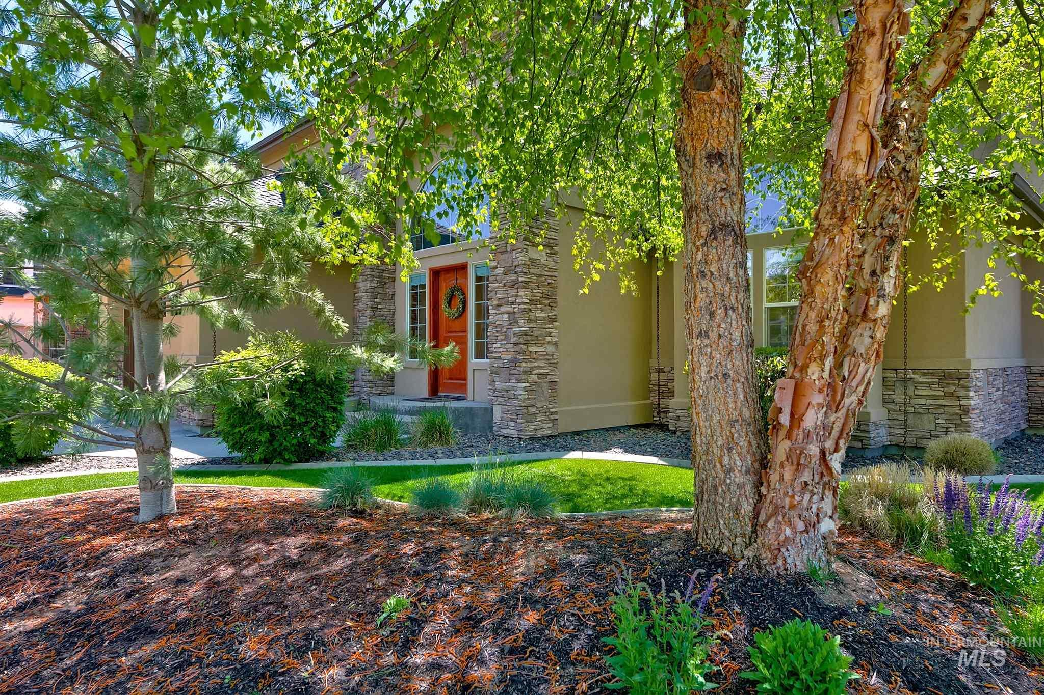 877 W Headwaters Dr. Property Photo 1
