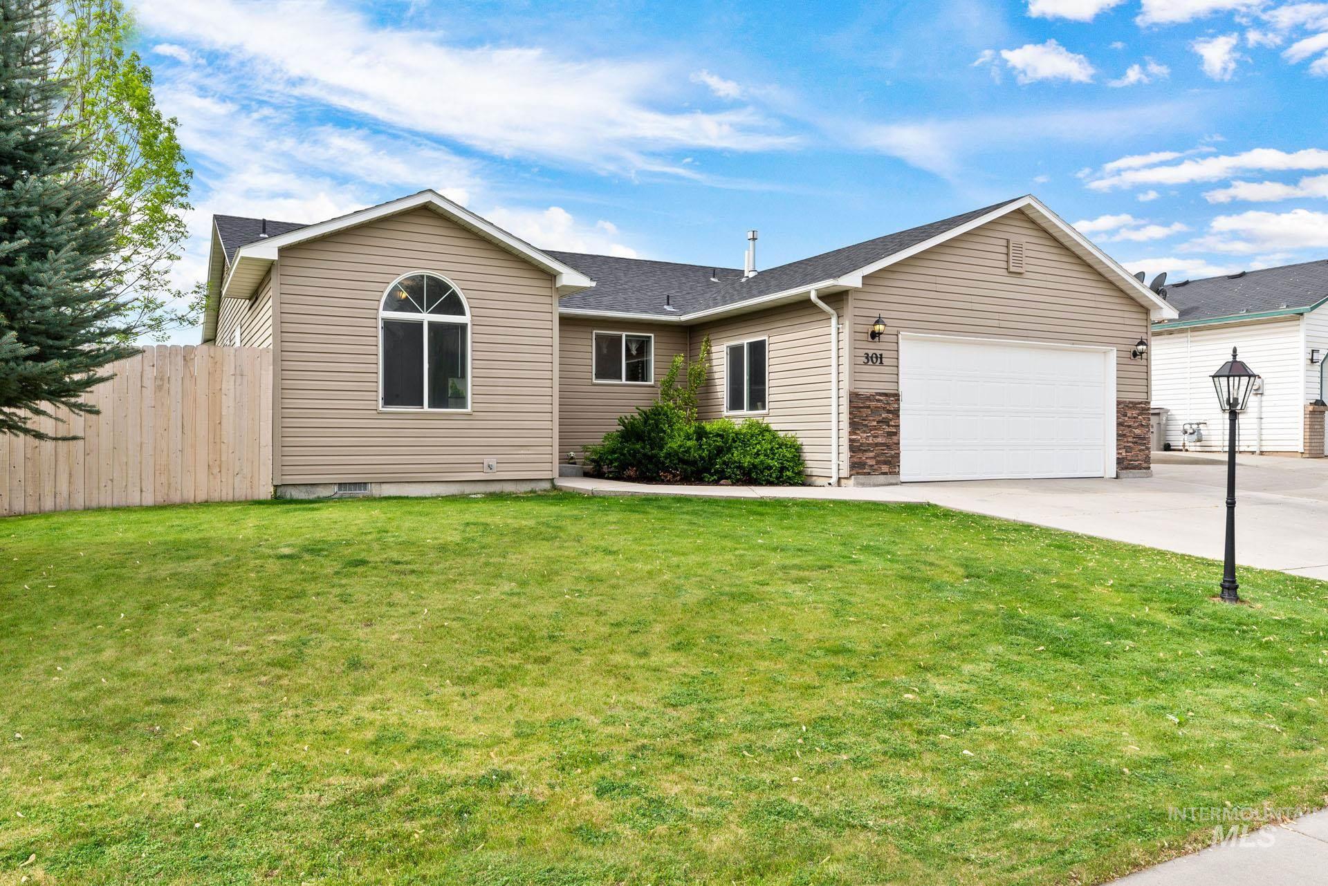 301 SUNRIDGE DR Property Photo - Caldwell, ID real estate listing