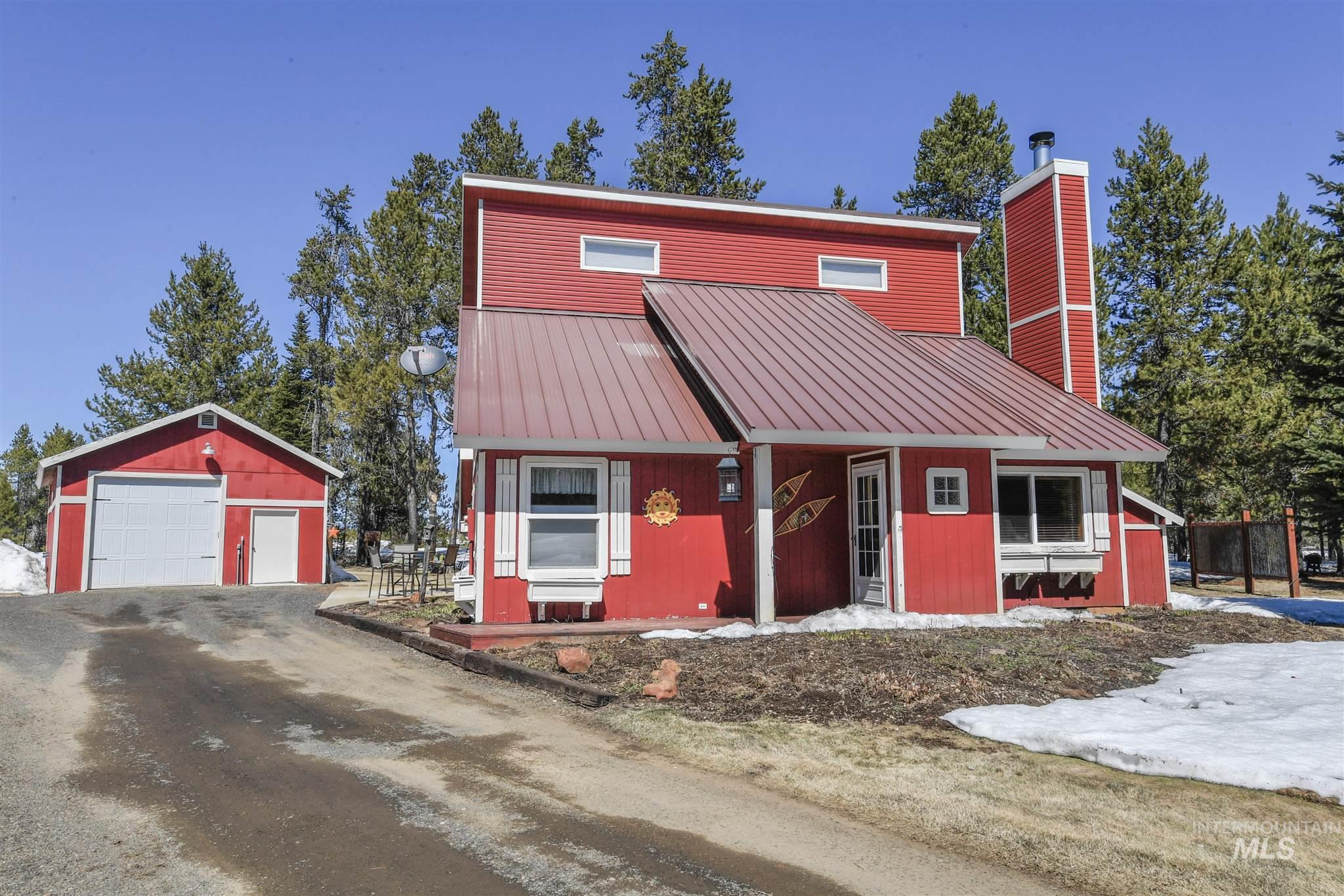 13098 Hillhouse Loop Property Photo - Donnelly, ID real estate listing