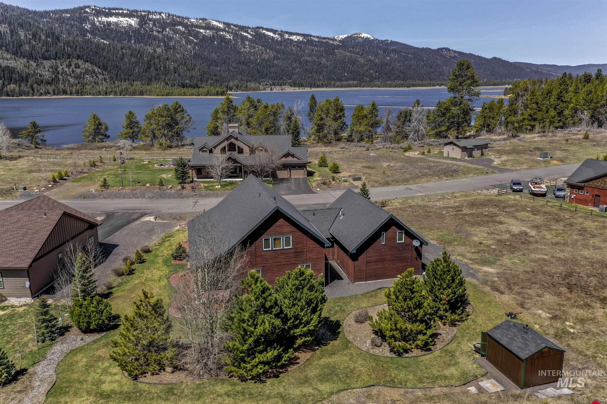 13130 Hawks Bay Road Property Photo - Donnelly, ID real estate listing