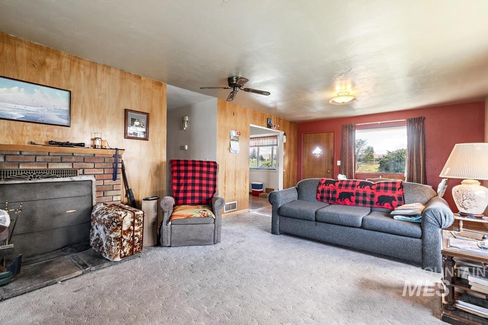 10409 Scotch Pines Rd Property Photo 5