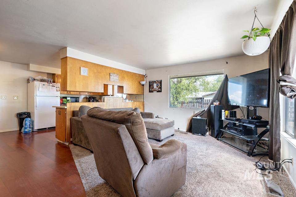 10409 Scotch Pines Rd Property Photo 12
