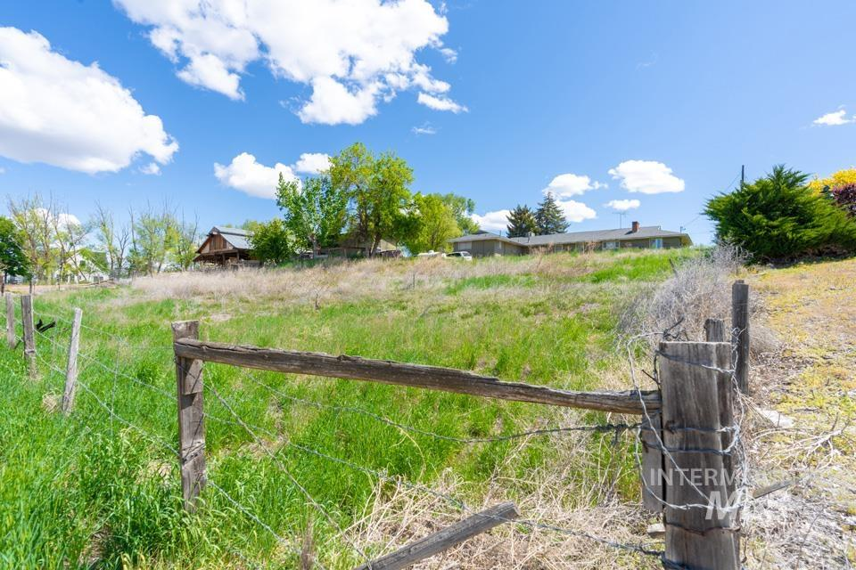 10409 Scotch Pines Rd Property Photo 15