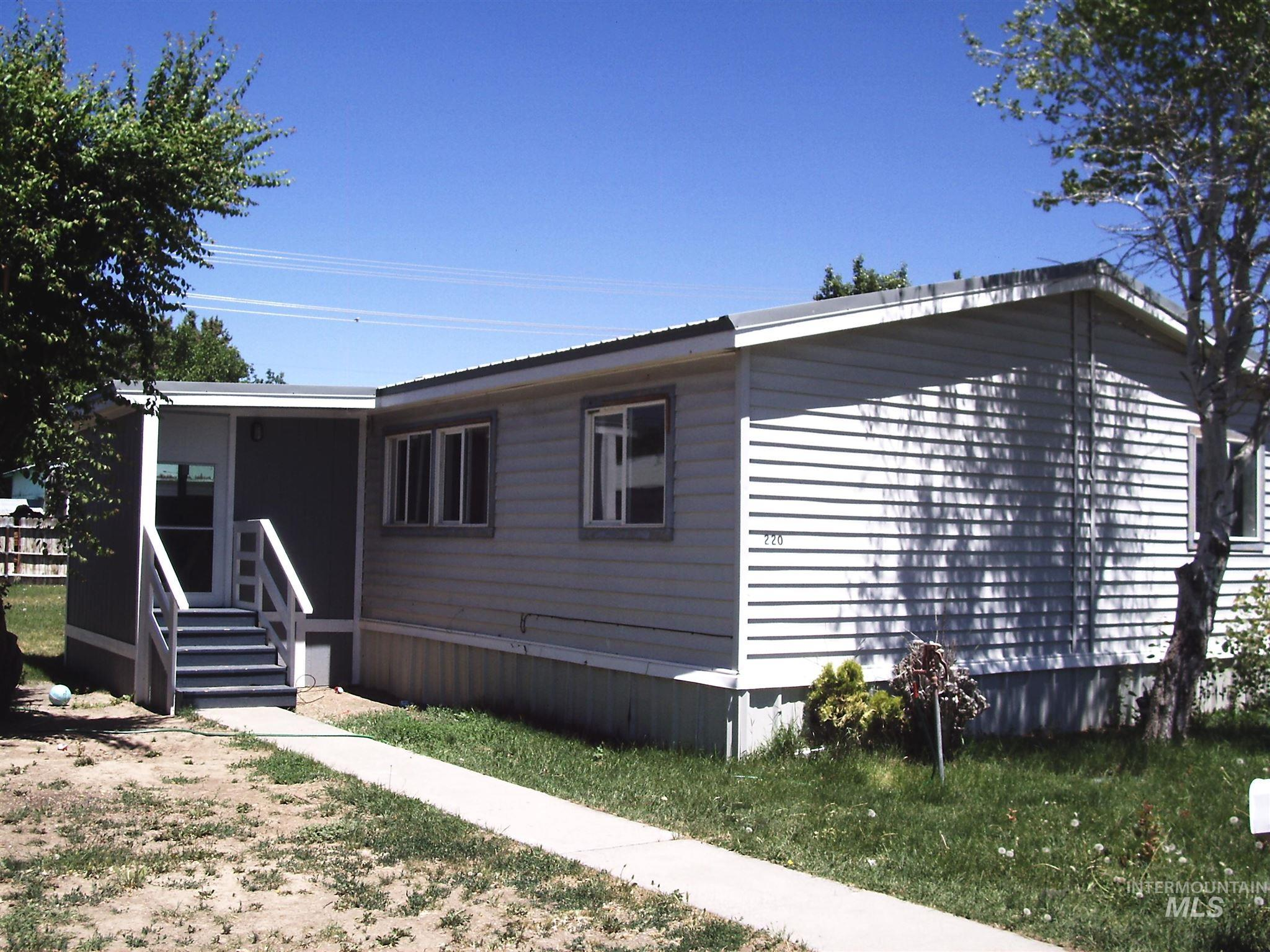 220 G Ave West Property Photo 1