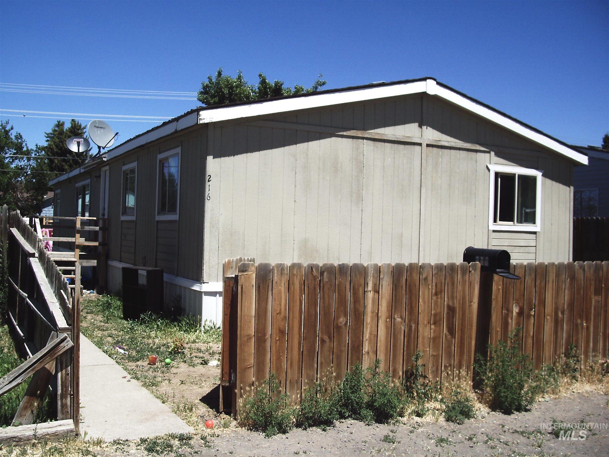 216 G Ave West Property Photo