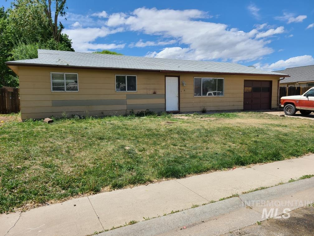 8 S Duncan Ave Property Photo - Middleton, ID real estate listing