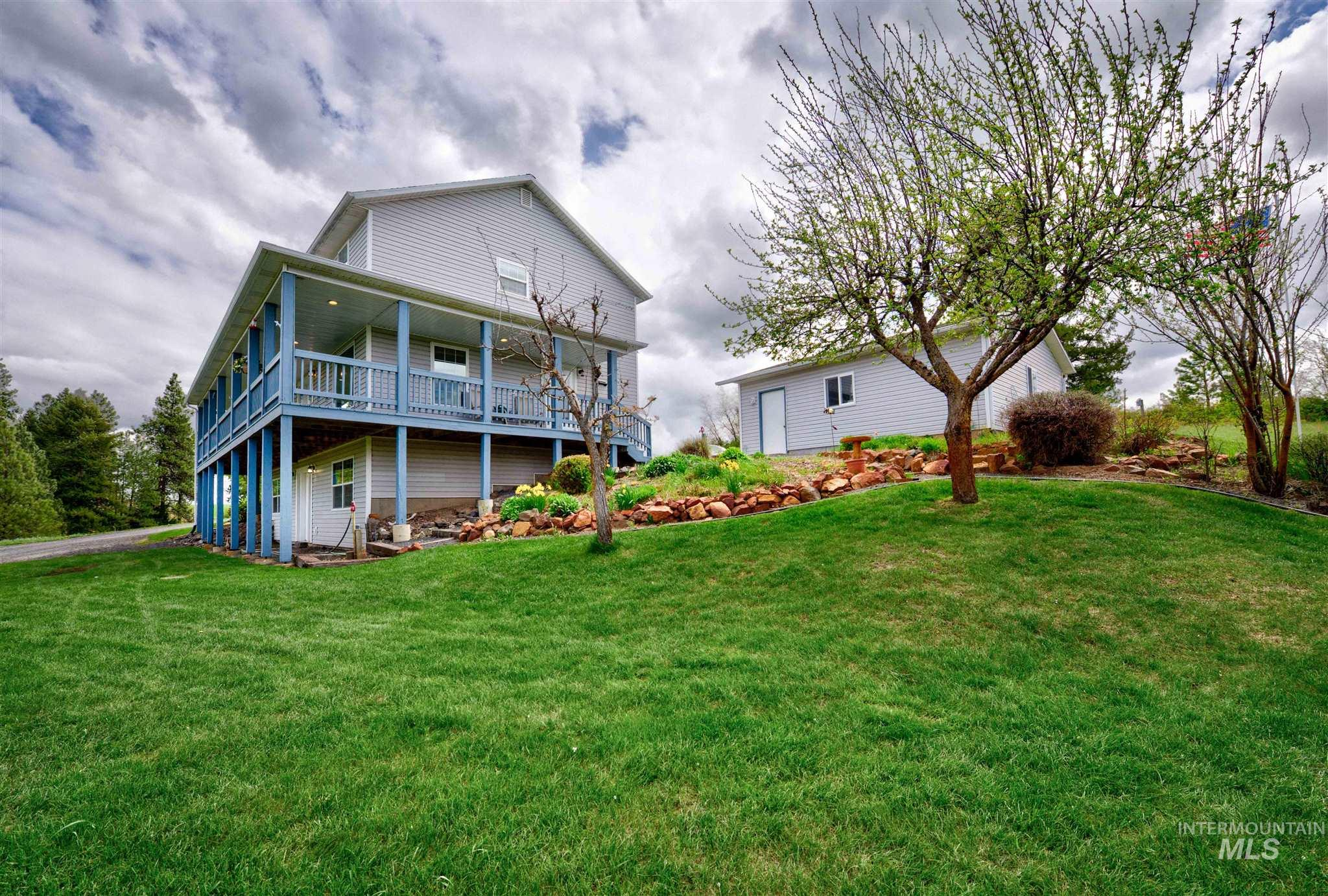 1845 Little Bear Ridge Property Photo - Troy, ID real estate listing
