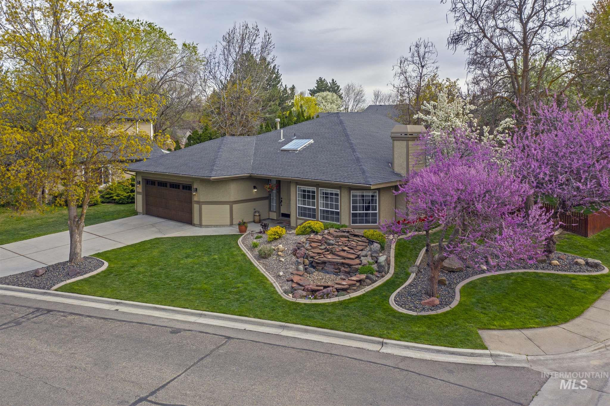 5699 W Fortress Ct Property Photo - Boise, ID real estate listing