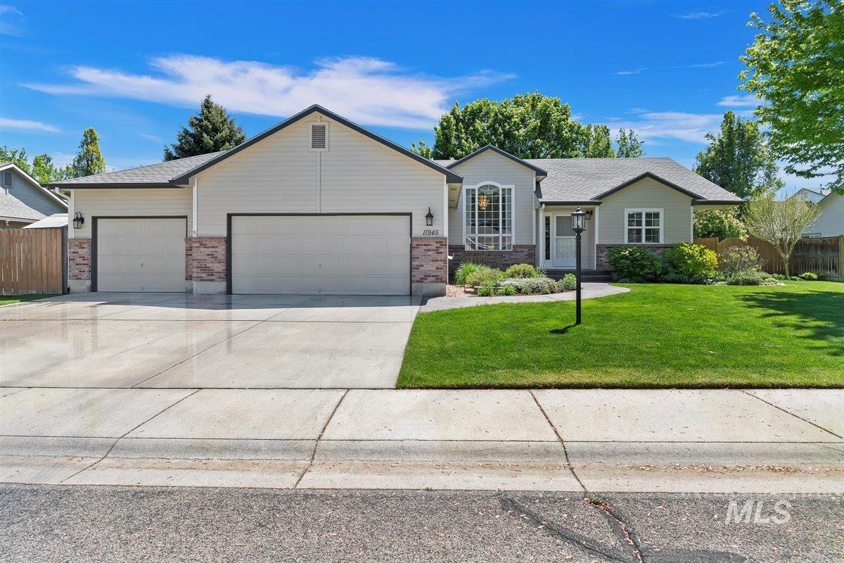 11945 W Patrina Dr Property Photo - Boise, ID real estate listing