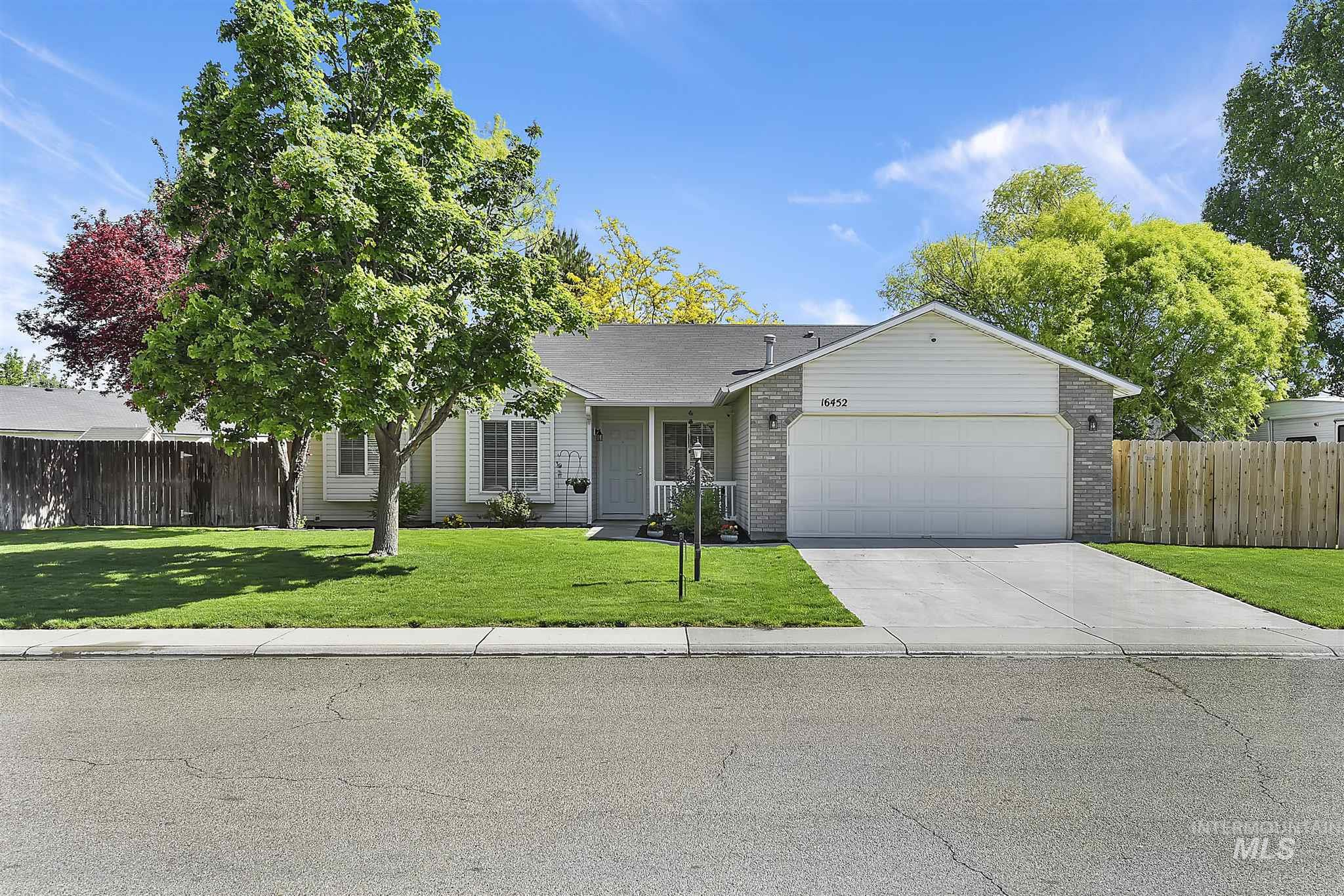 16452 N Red Oak Dr Property Photo - Nampa, ID real estate listing