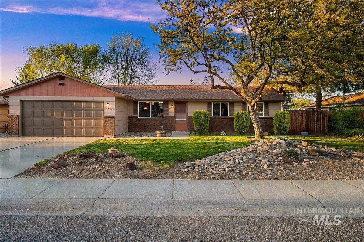 5754 N Millstream Way Property Photo - Garden City, ID real estate listing