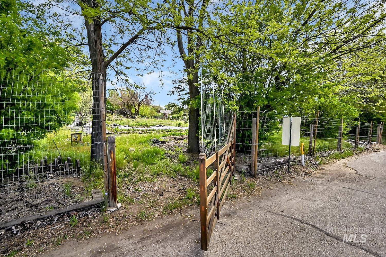 5202 N Stinger Street Property Photo - Boise, ID real estate listing