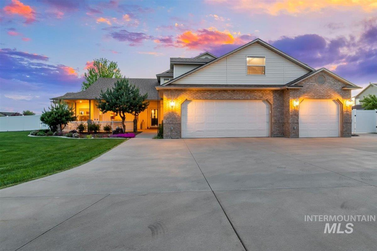 45 N Burlington Dr Property Photo - Nampa, ID real estate listing
