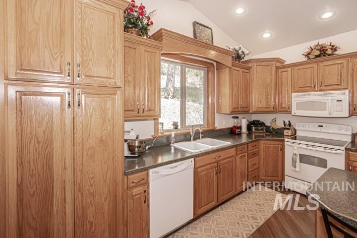 13755 S Racoon Drive Property Photo 11