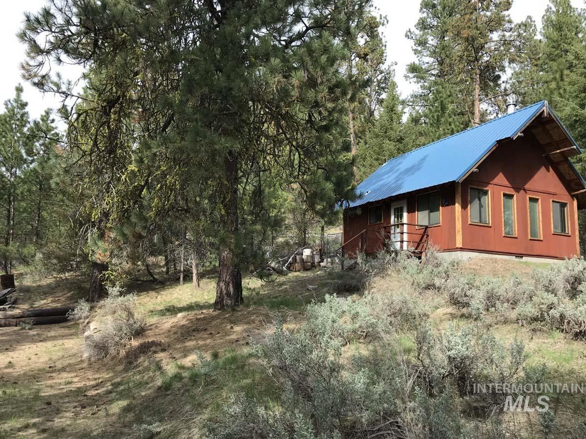 1510 Crown Point Parkway Property Photo - Cascade, ID real estate listing