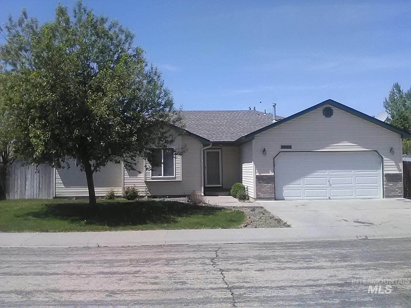 443 NW Sandpiper Ave Property Photo - Mountain Home, ID real estate listing