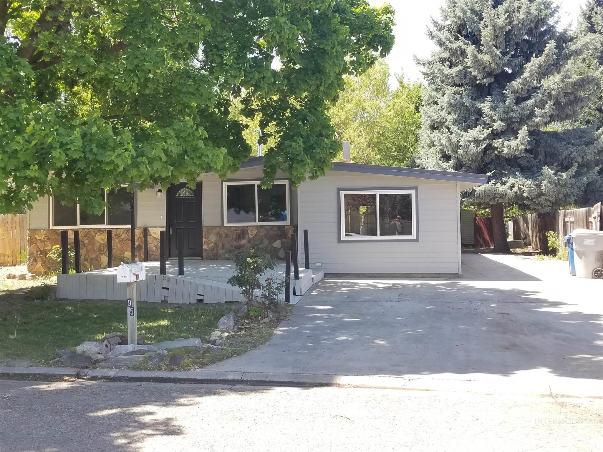 95 N Ada St Property Photo - Nampa, ID real estate listing