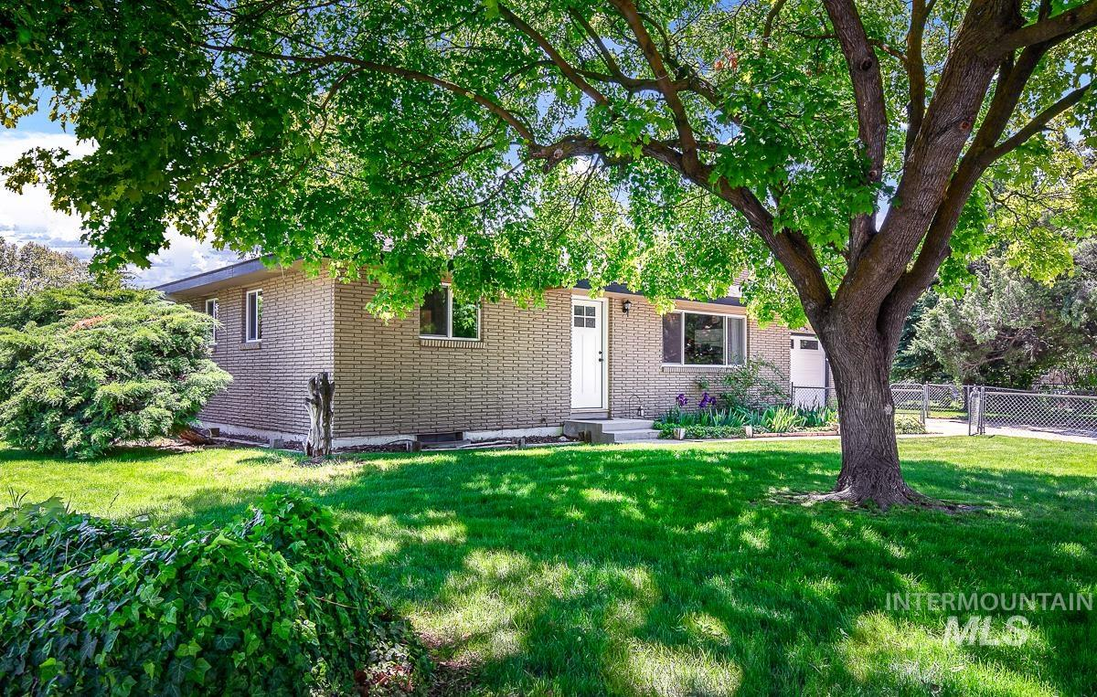 1302 S Oaklawn Dr Property Photo - Boise, ID real estate listing