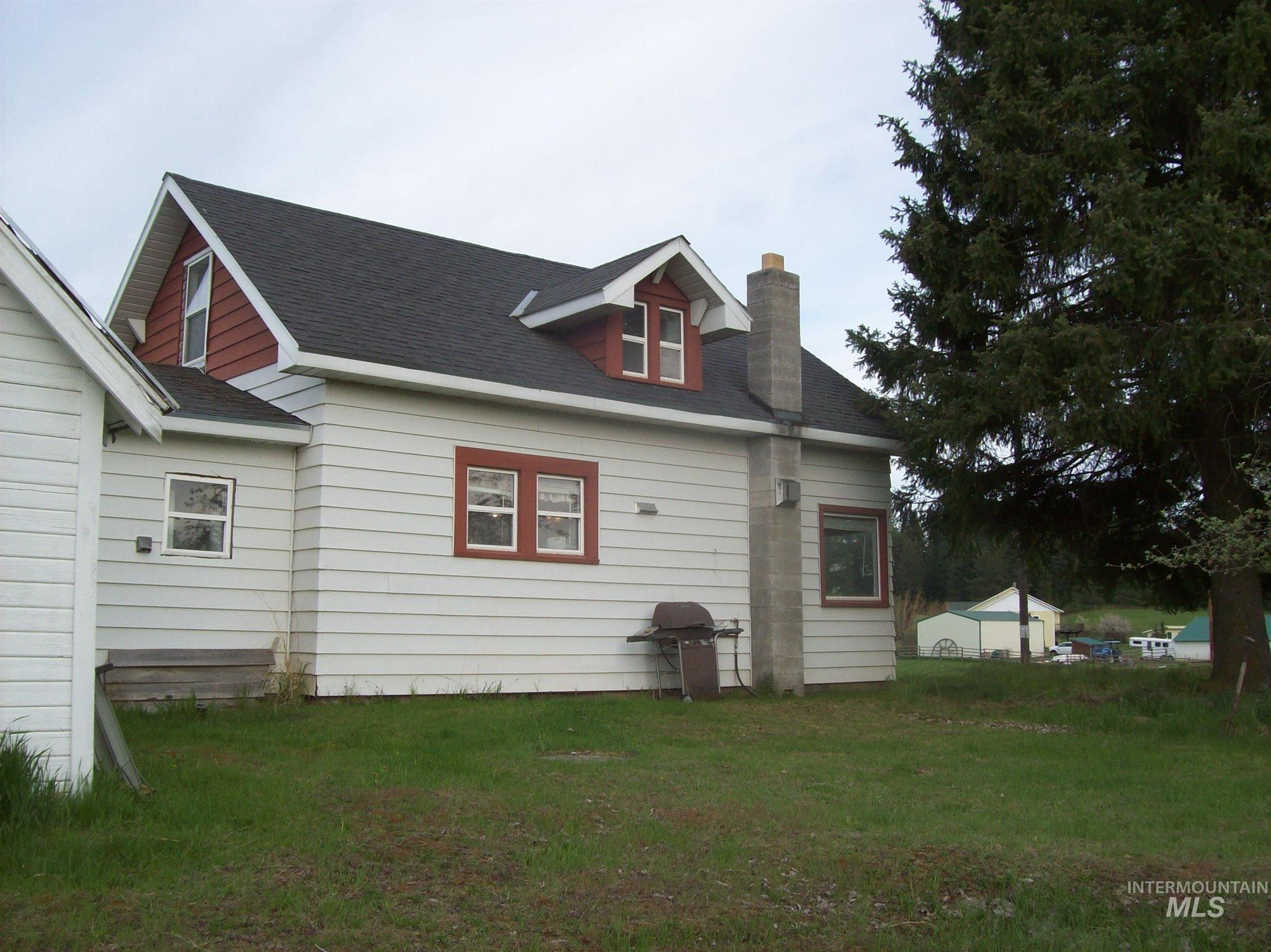 1680 East Road Property Photo - Deary, ID real estate listing