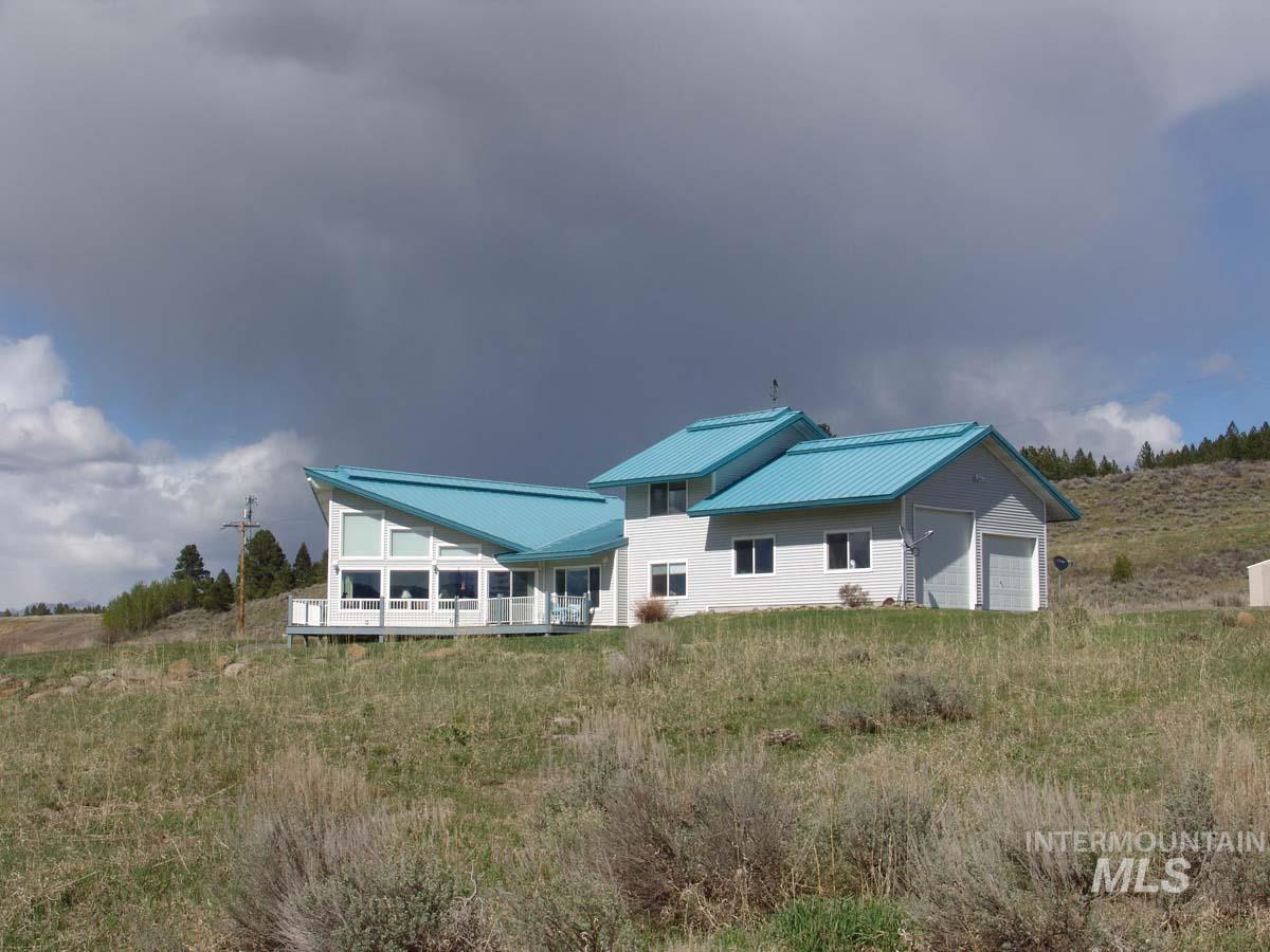 12598 Seubert Lane Property Photo - Cascade, ID real estate listing