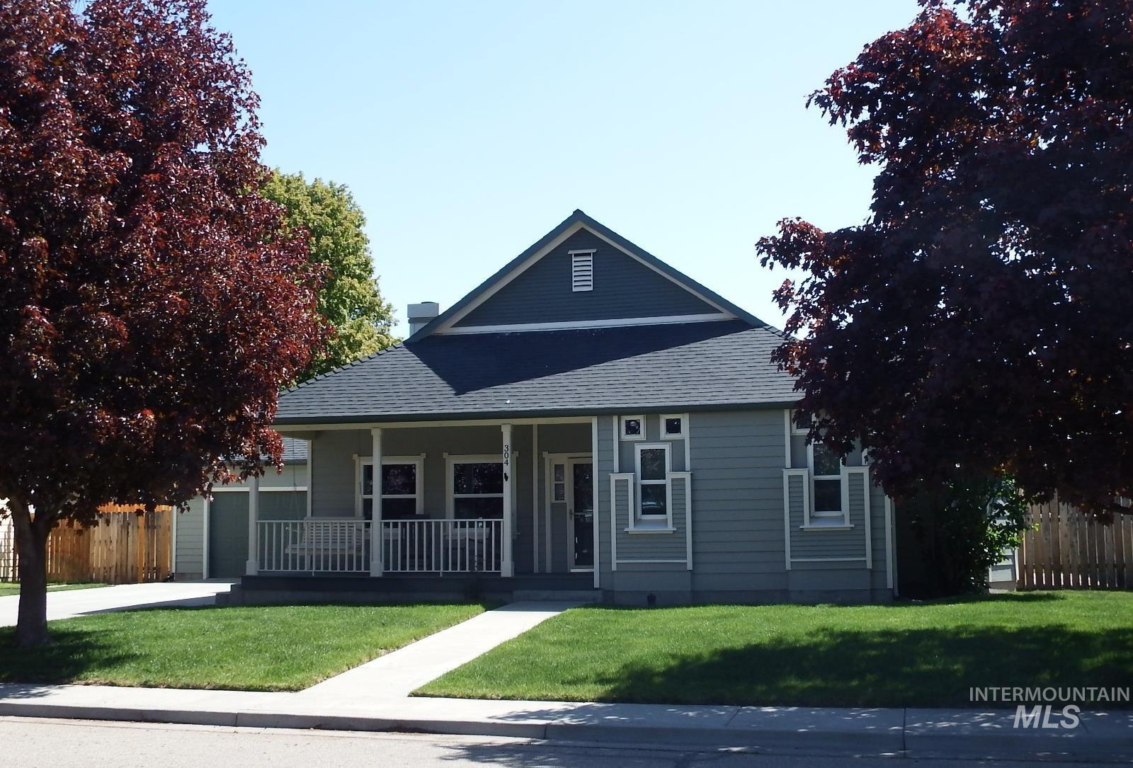 304 Crimson Circle W Property Photo - Fruitland, ID real estate listing