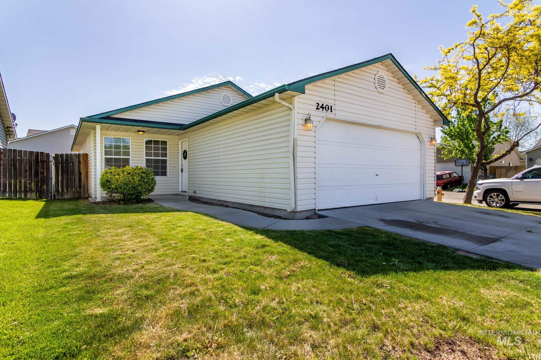 2401 E Nutmeg Lane Property Photo - Nampa, ID real estate listing
