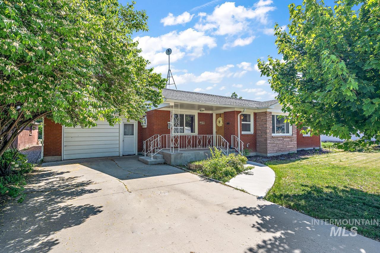 221 E State Ave Property Photo - Meridian, ID real estate listing