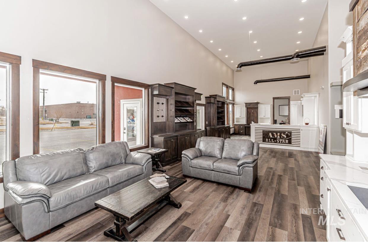 2525 Boge Avenue Property Photo 14