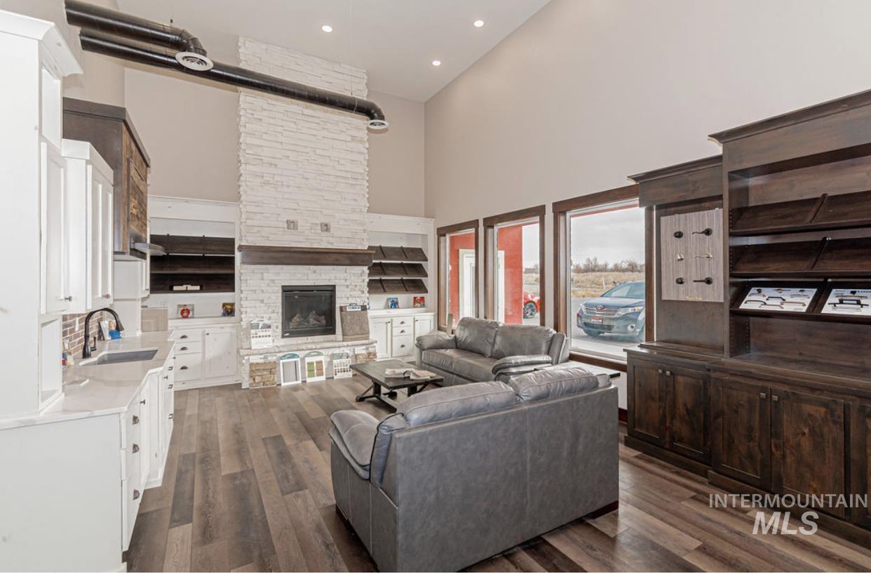 2525 Boge Avenue Property Photo 18