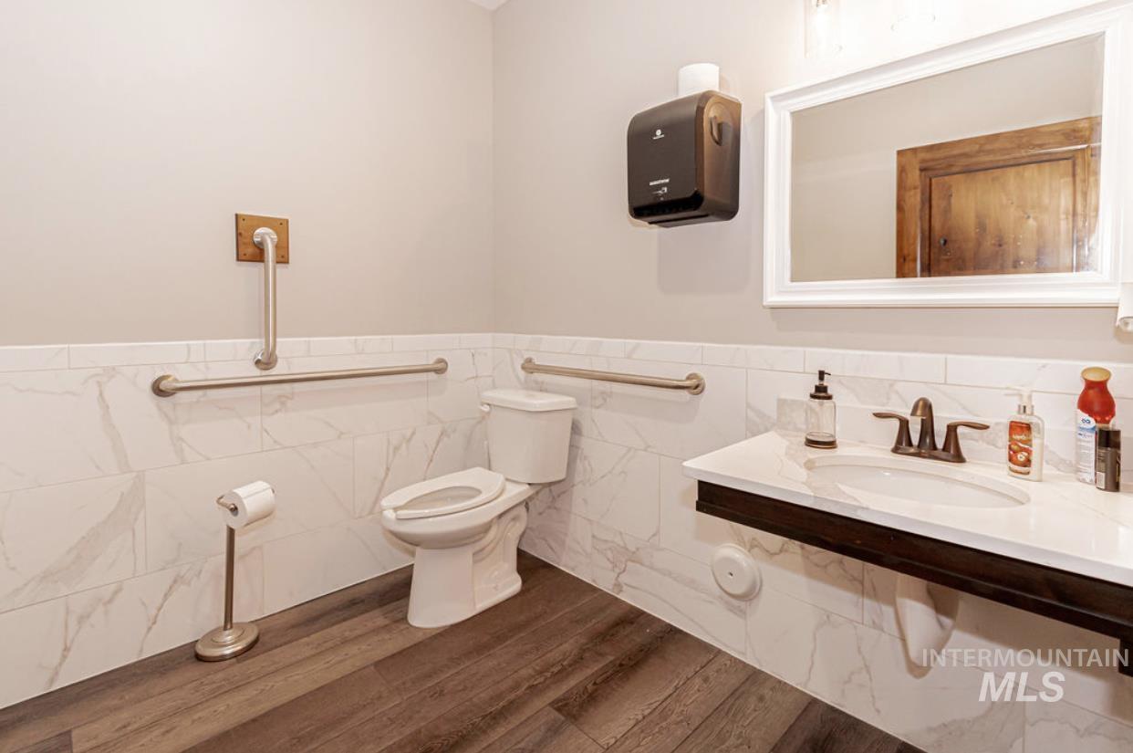 2525 Boge Avenue Property Photo 27