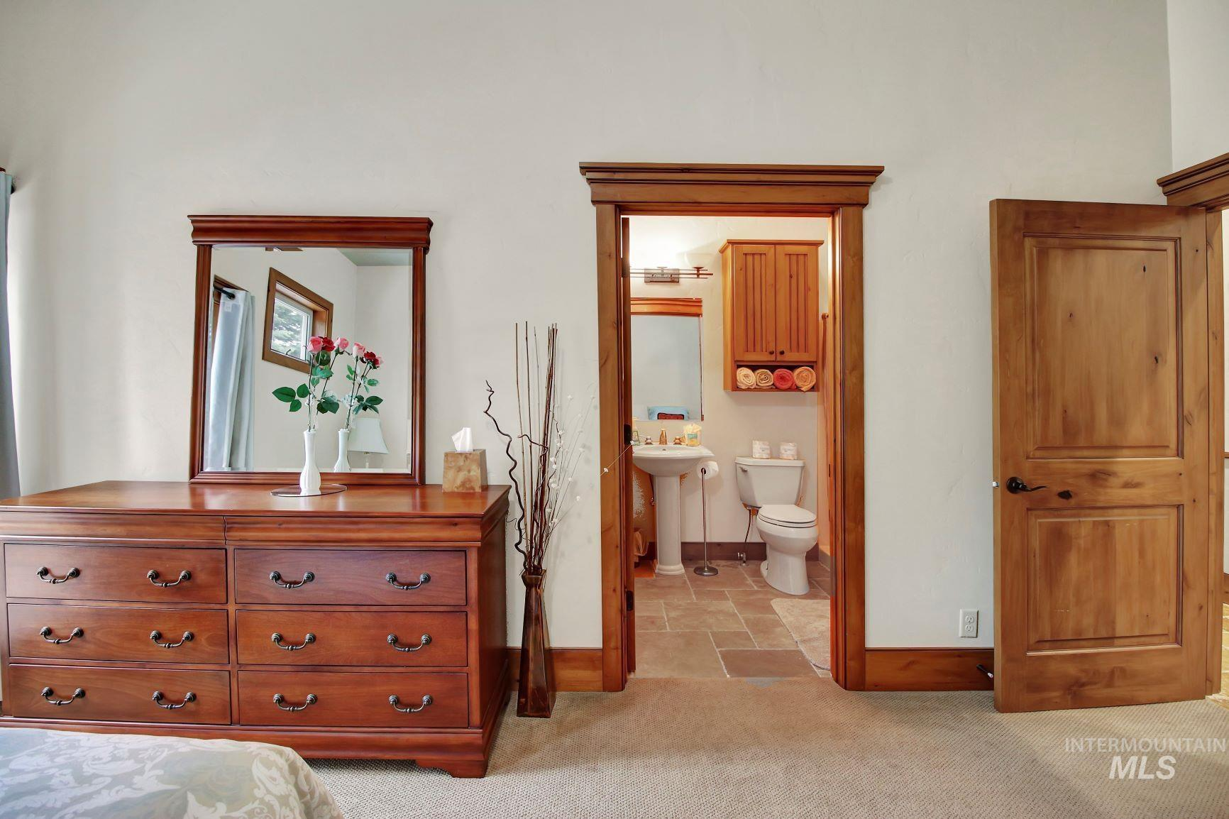 9753 Moore Drive Property Photo 17
