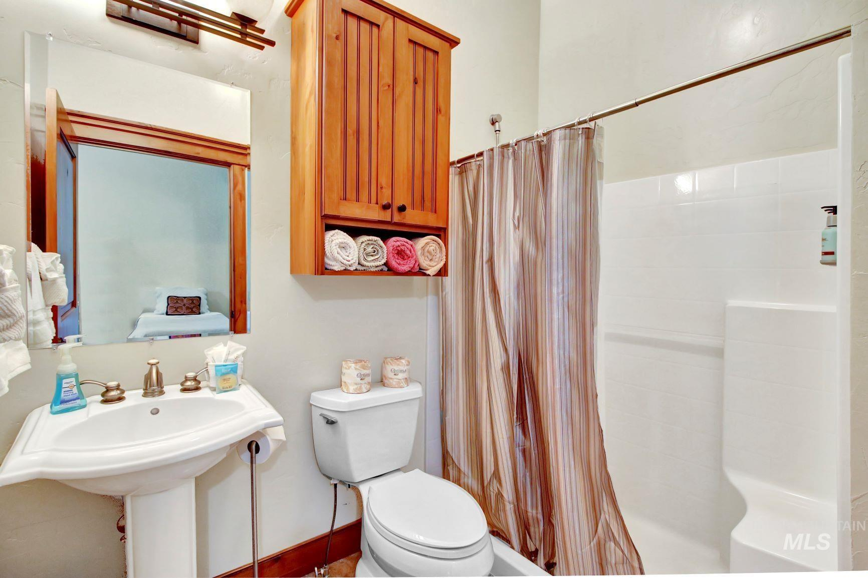 9753 Moore Drive Property Photo 18