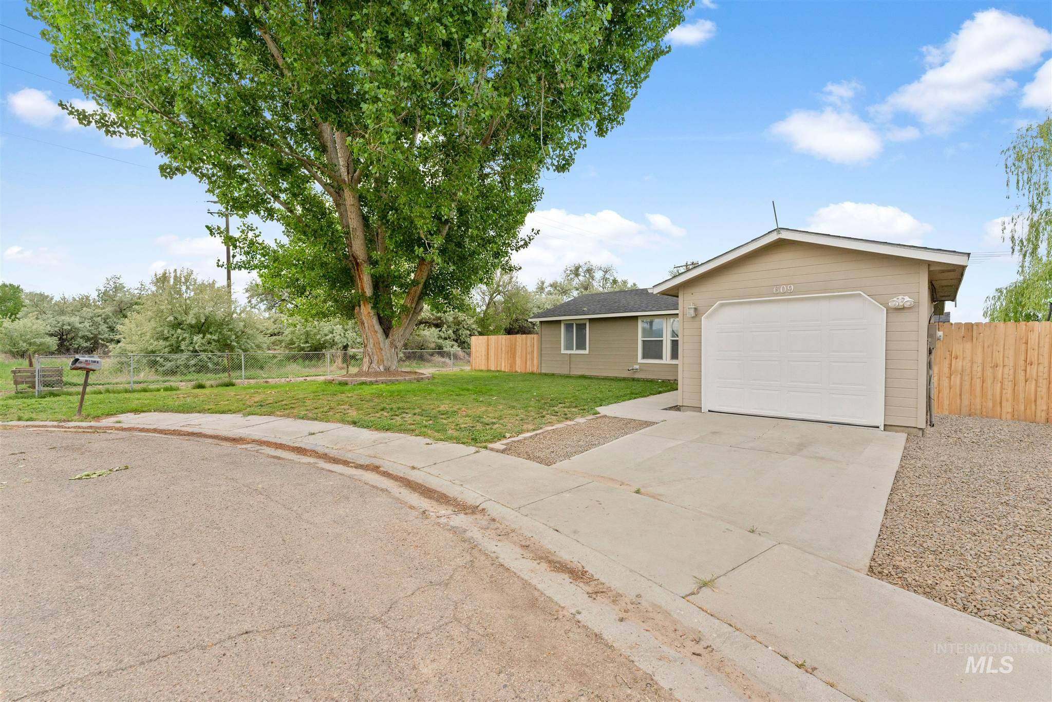 609 E Selway Property Photo - Homedale, ID real estate listing