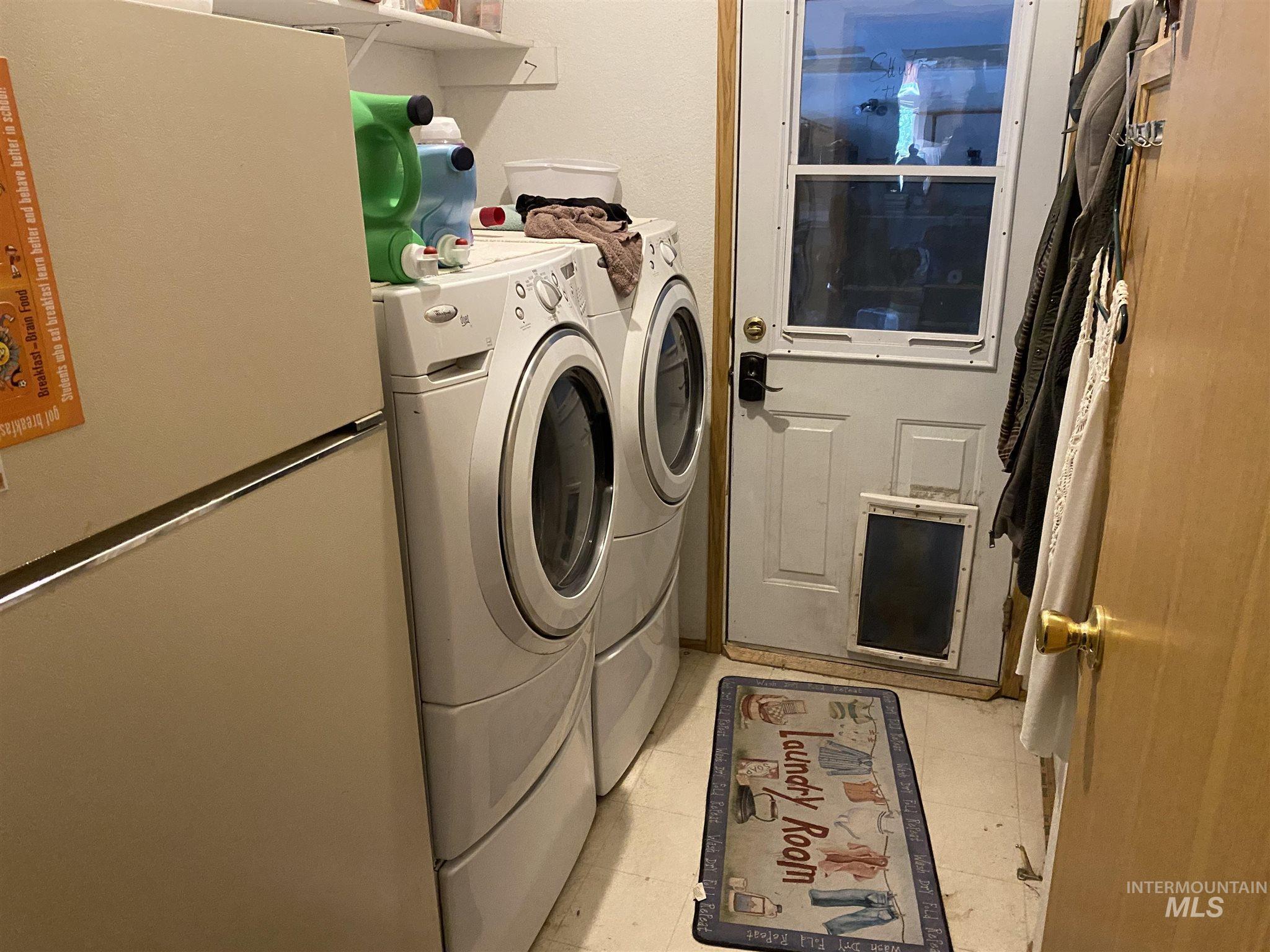 524 W 7 Property Photo 8