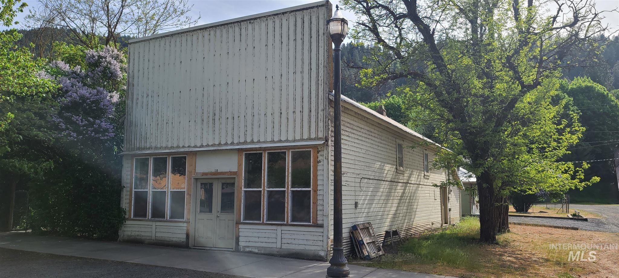 116 N Main St Property Photo 1