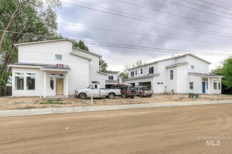 2316 S Phillippi Street Property Photo 1