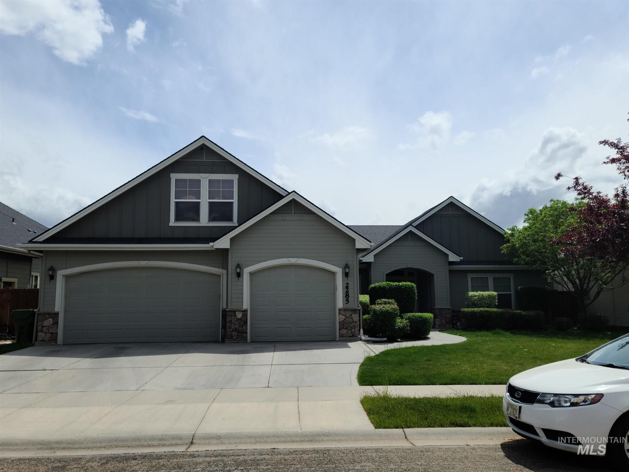 2285 W Grand Teton Property Photo