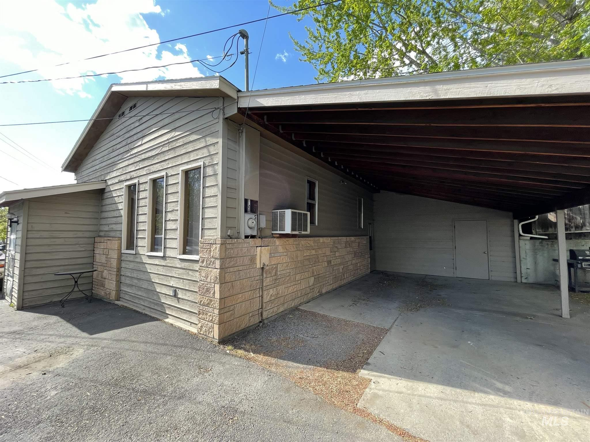 520 Highway 8 Property Photo