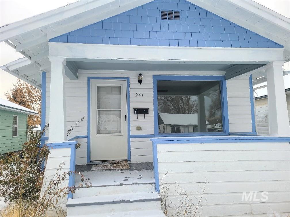 241 Park Ave Property Photo