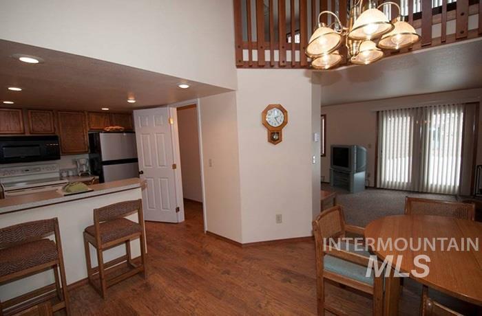Aspen Village Real Estate Listings Main Image