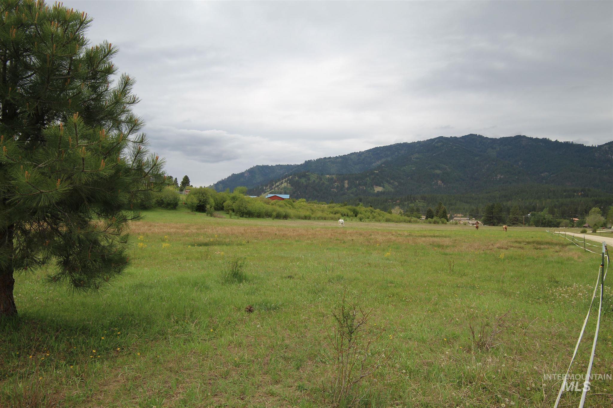 000 Brookview Property Photo