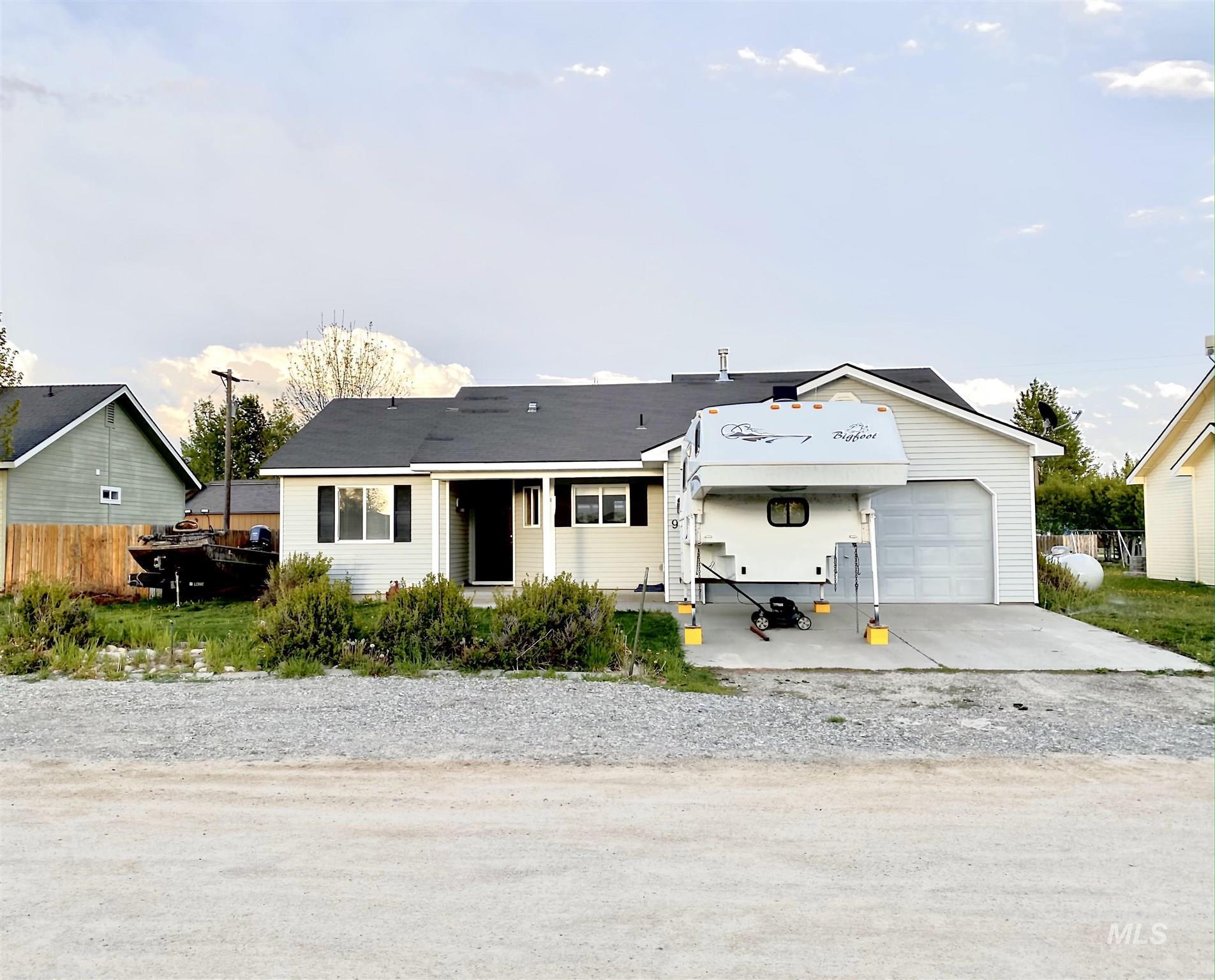 926 W Fourth St Property Photo 1