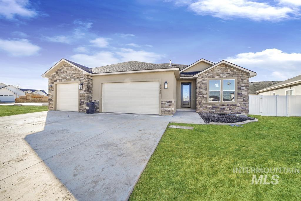2930 Sun Mountain Drive Property Photo 1